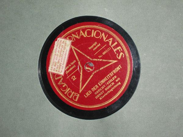 Label einer Spanienplatte mit dem ''Einheitsfrontlied''