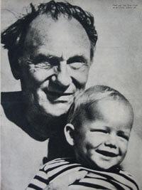Ernst Busch mit Sohn (Magazin-Foto)