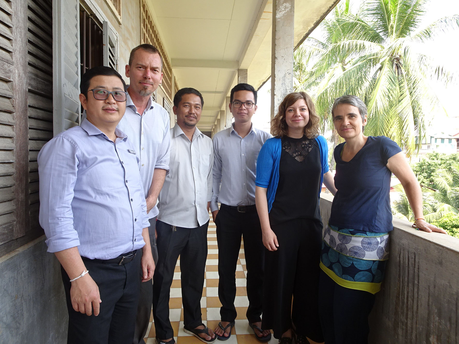 The Memory Work team at TSGM in Phnom Penh, January 2019: Visoth Chhay, Jochen Voit, Samnang Ny, Pheaktra Song, Judith Mayer, Barbara Thimm (f.l.t.r.)